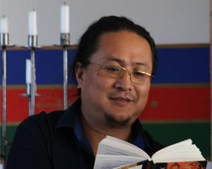 DR NIDA CHENAGTSANG